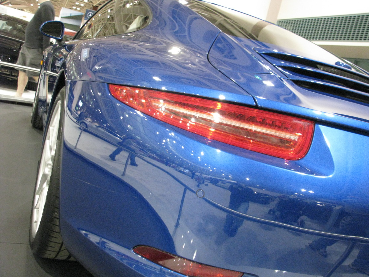 Porsche 911 Carrera S taillight