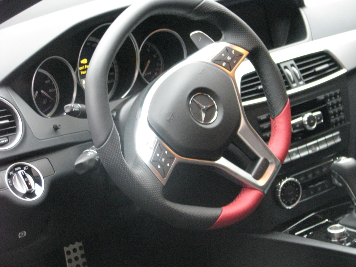 C63 AMG Coup steering wheel