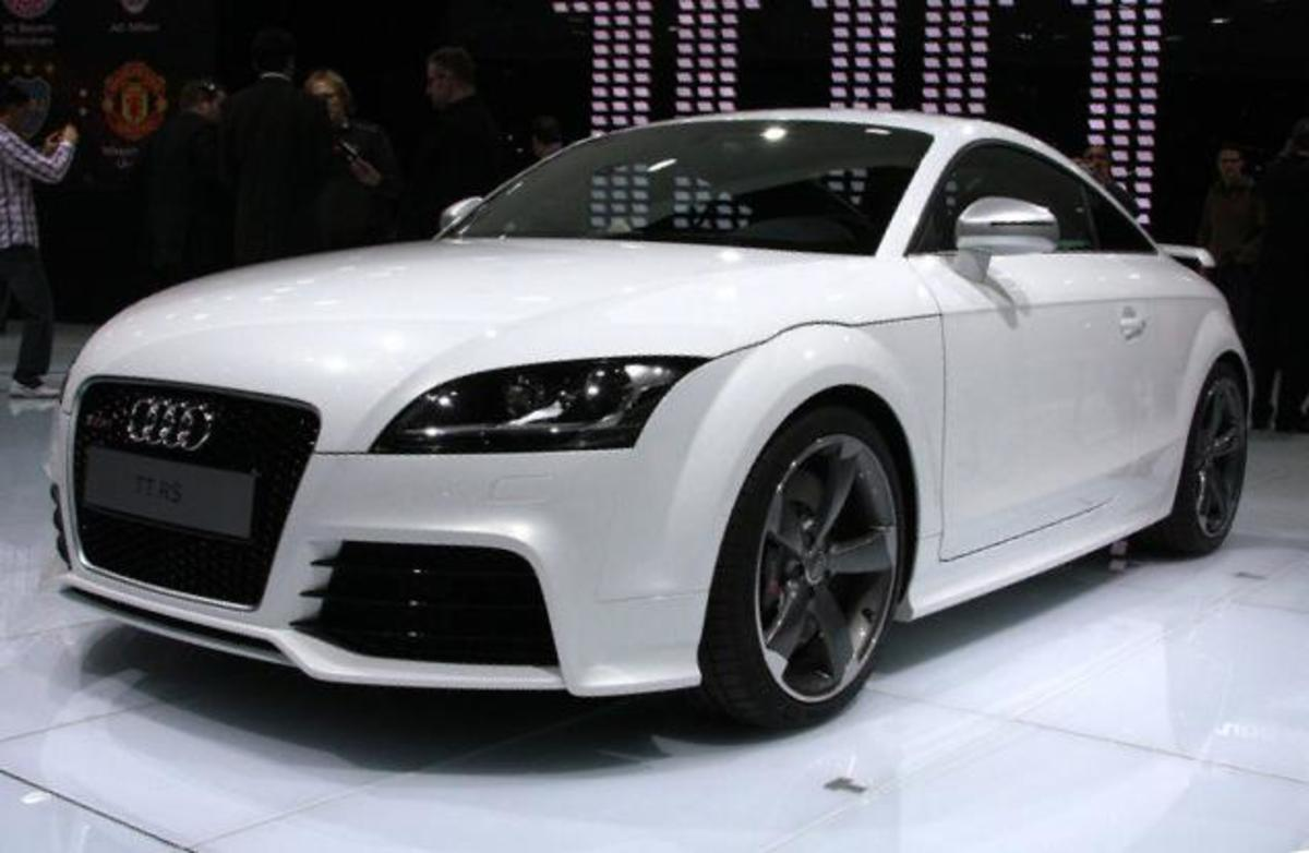 Audie TT-RS front view