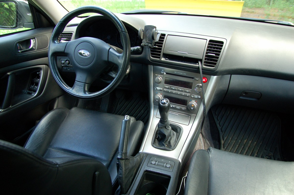 A clean car makes a good impression: shake the mats and vacuum the back seat!