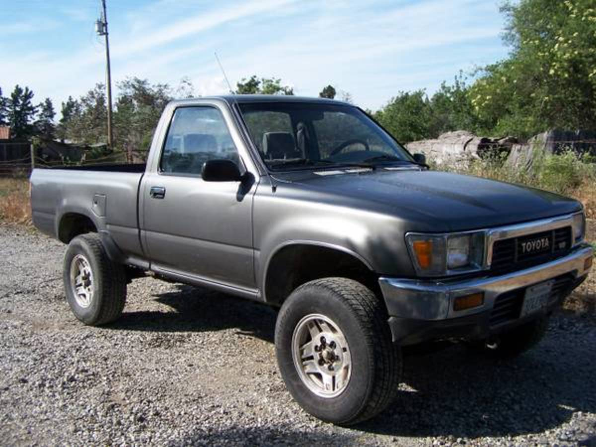 Simple, not powerful, but reliable and very capable off road, the Toyota SR6 is a great vehicle to use for some fun off-road use.