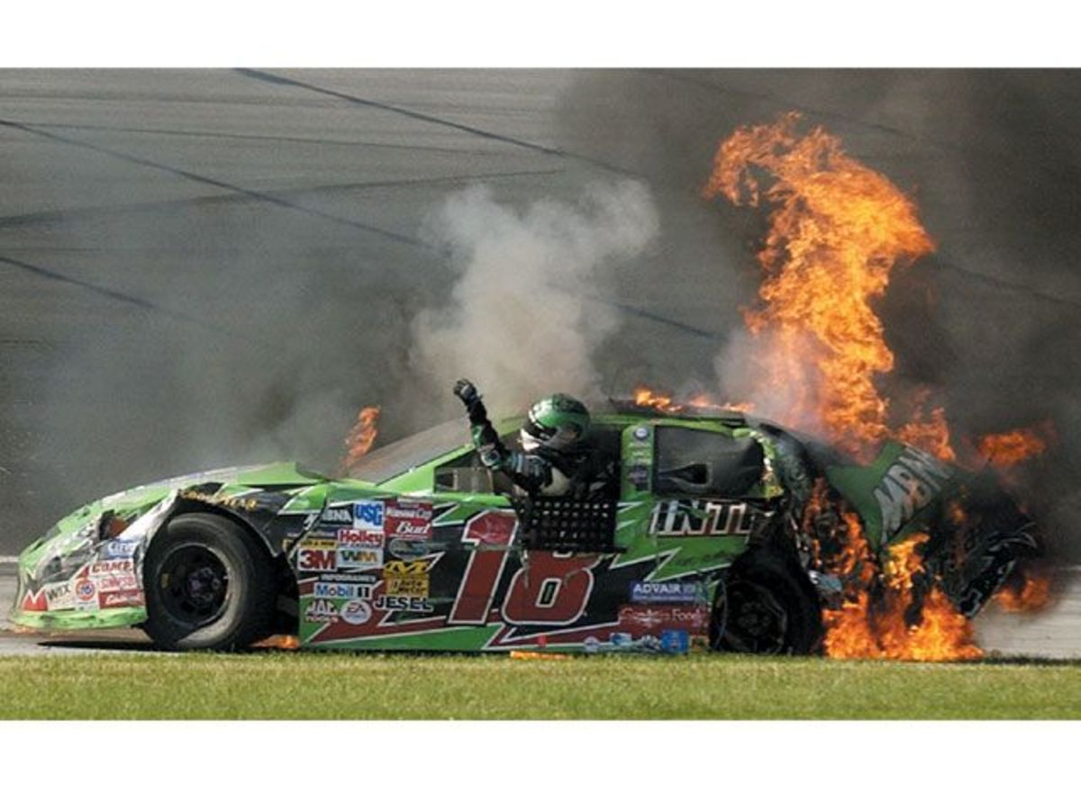 Another DNF for Bobby Labonte in the #18