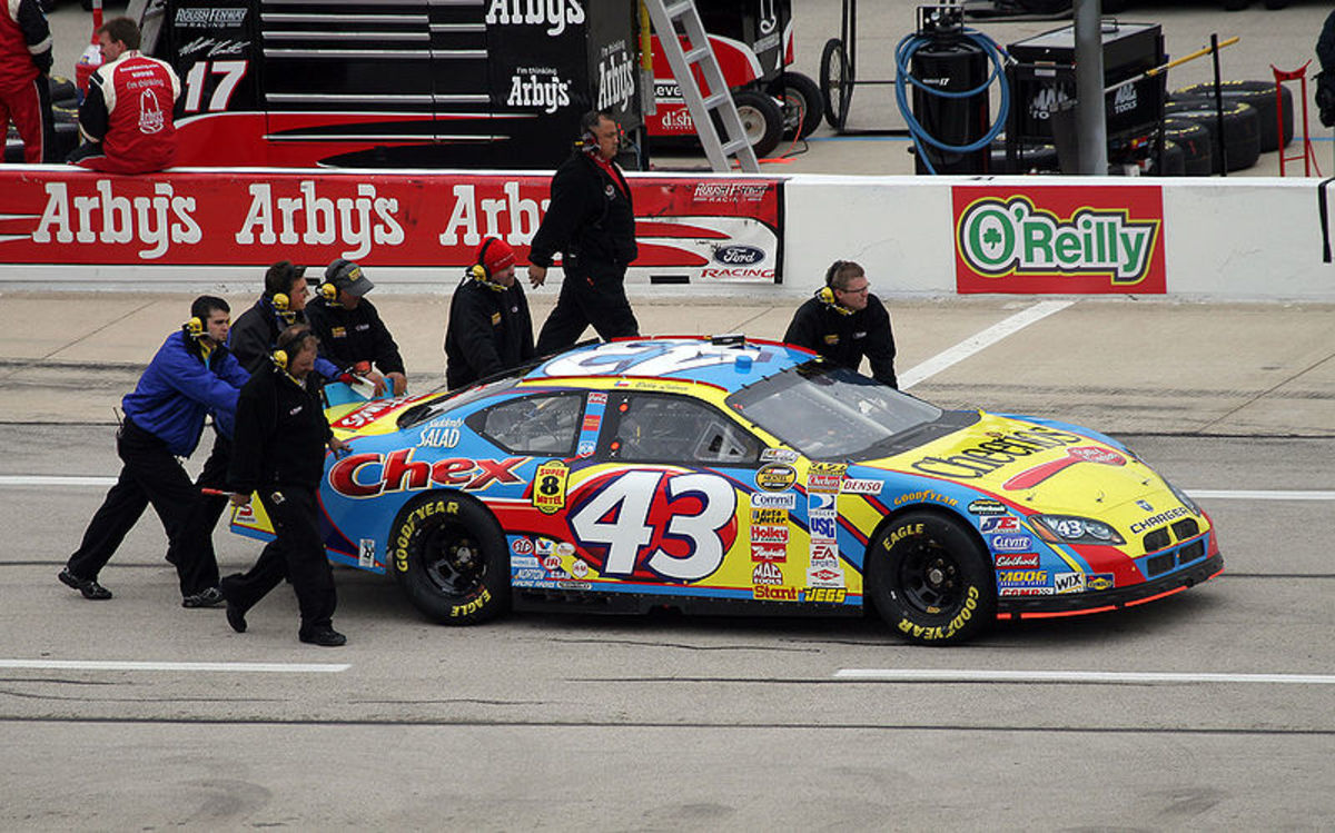 Labonte's car got pushed far too many times during his 3 seasons with Petty Enterprises
