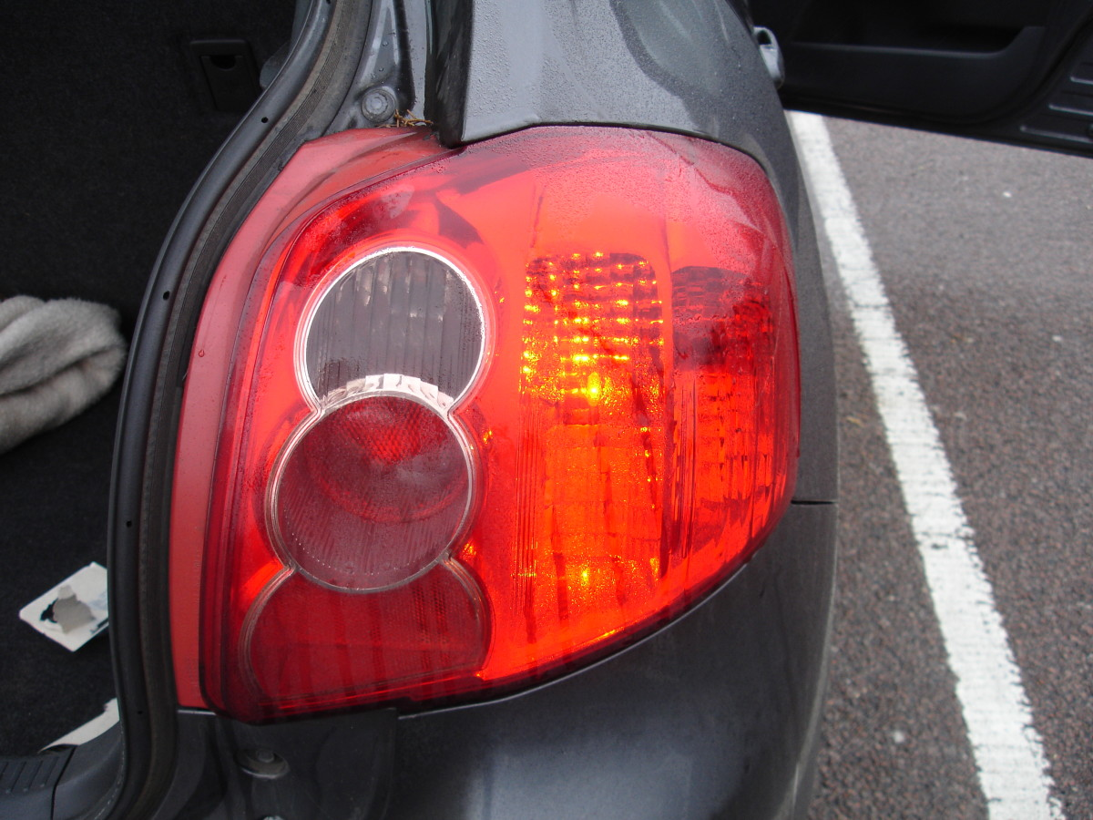 Here is the working tail-light - hooray!