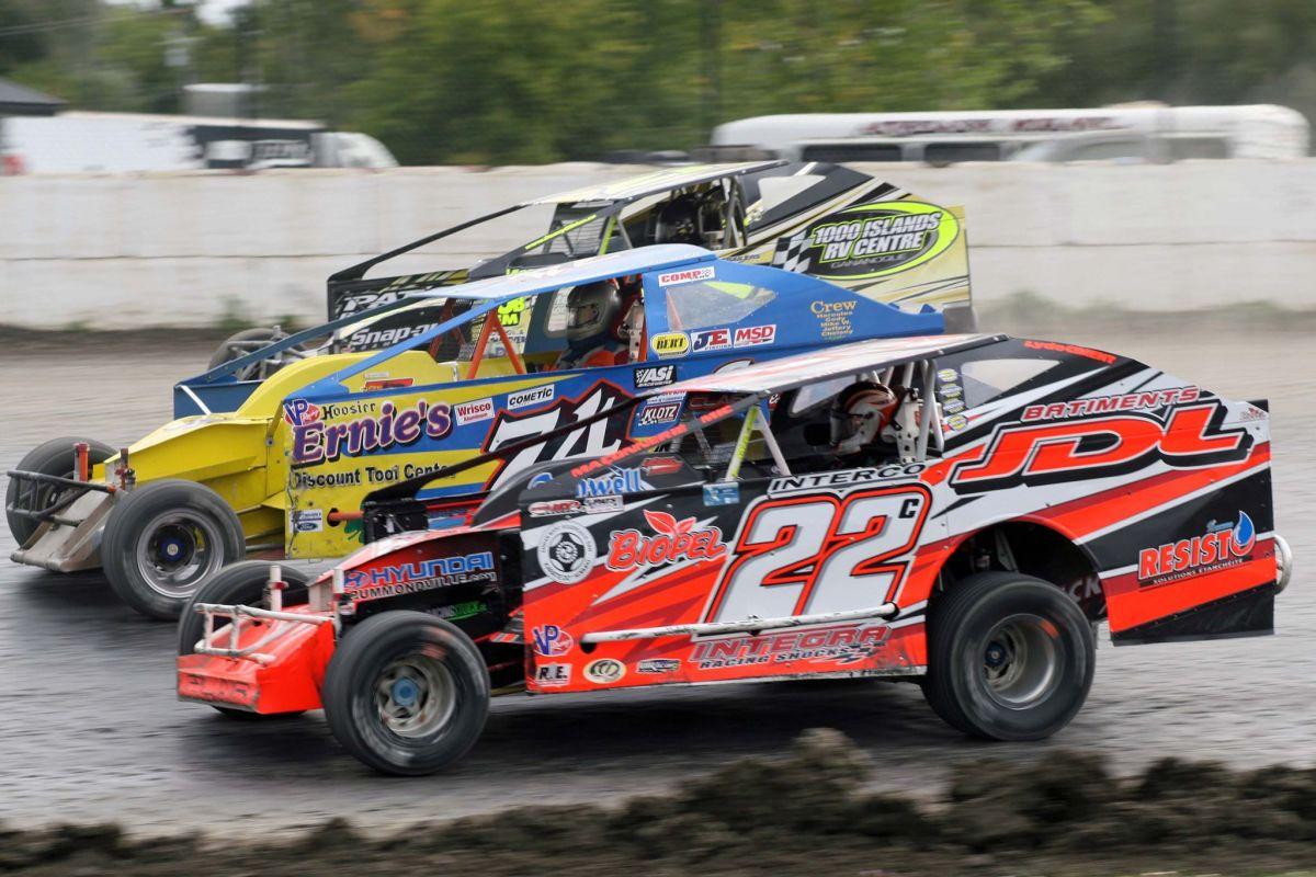 Super Dirt Modifieds at Le RPM Speedway in St. Marcel de Richlieu, Quebec
