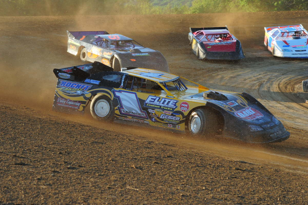 The Total Novice's Guide to Dirt Track Racing | AxleAddict