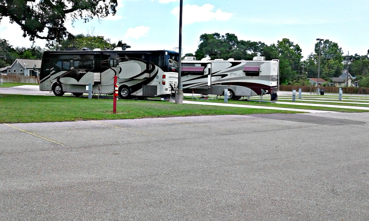 Many casinos are located in small towns and have huge parking lots where they often allow RV travelers to stay overnight at little or no cost.