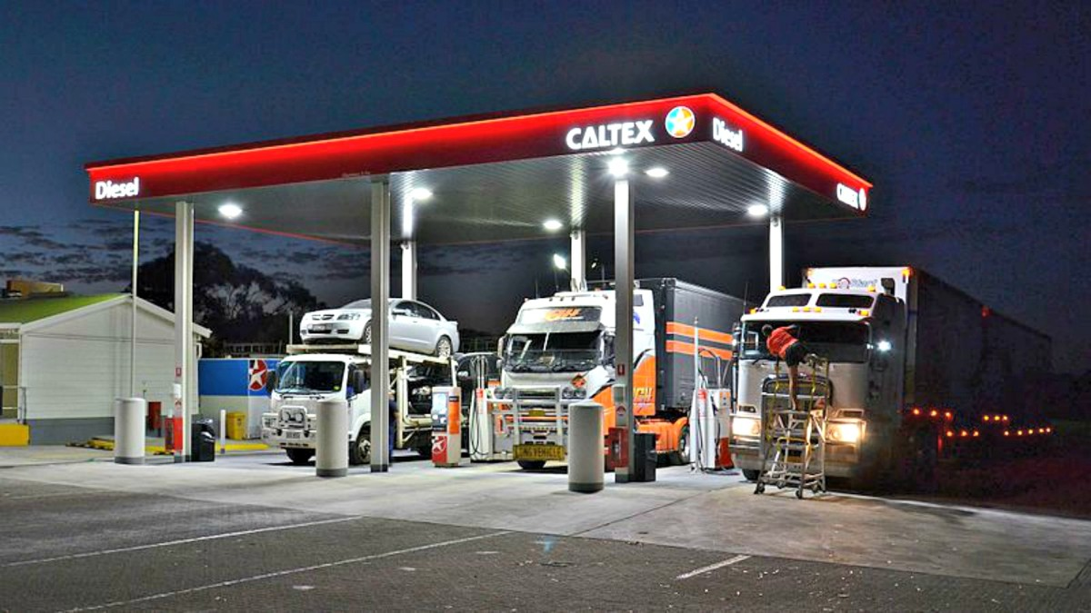 Many truck stops offer safe short-term, free dry camping.  Some even provide RV sites, propane services and water fills.