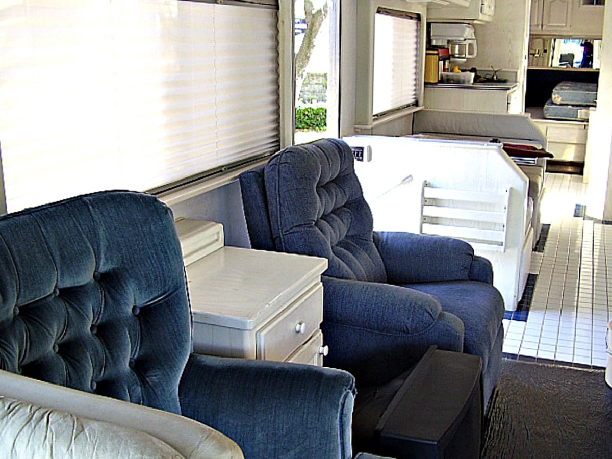RVs have considerably less living area than houses.