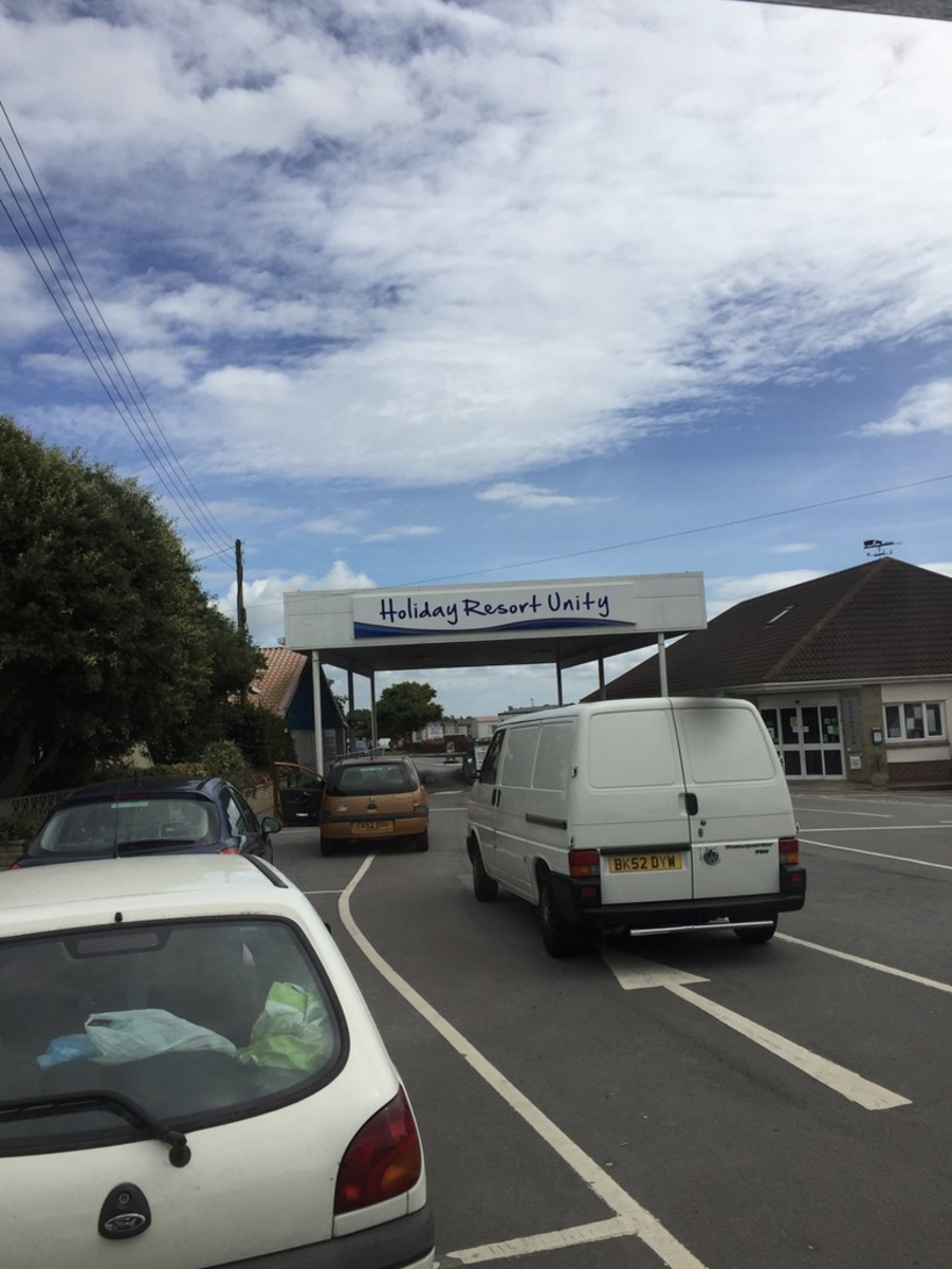 Brean Sands Holiday Park Entrance with an excited four year old