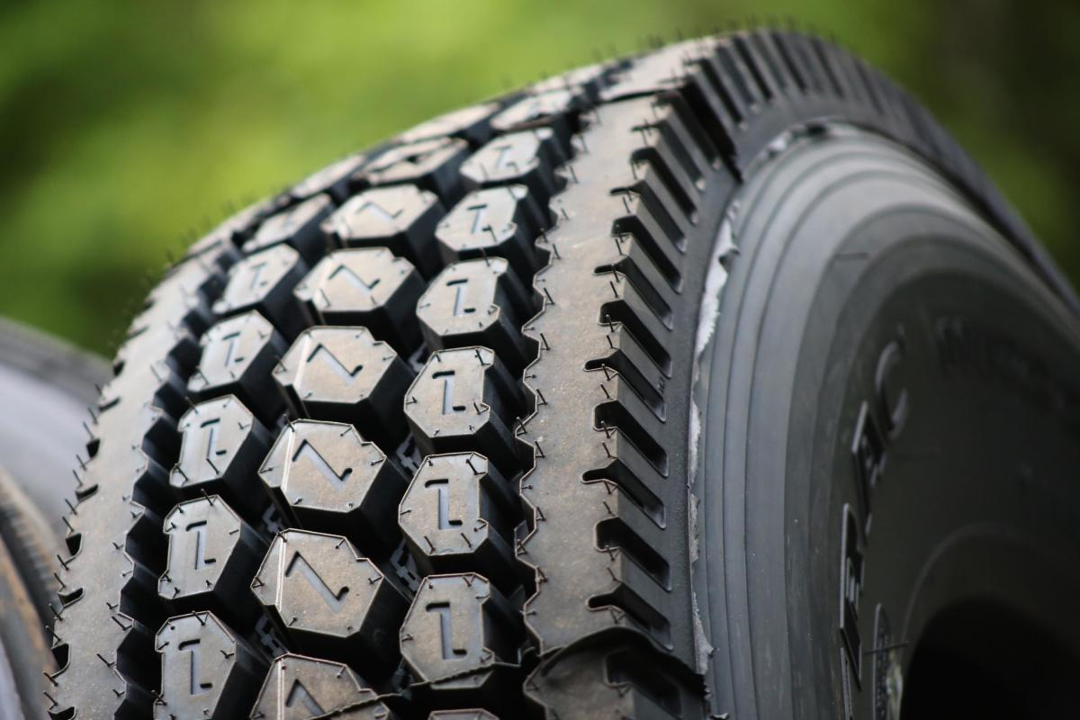 Healthy tire tread