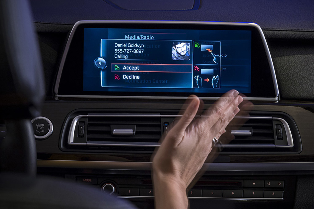Must-Have Automotive Technology for 2017 - Gesture Control