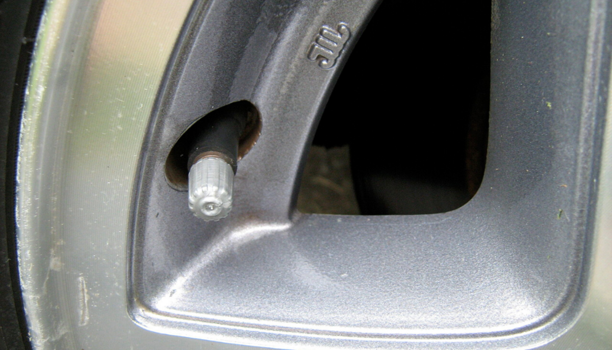 Always keep the cap screwed onto your tire valve stem—this will help prevent mud and other debris from damaging the pressure sensor.