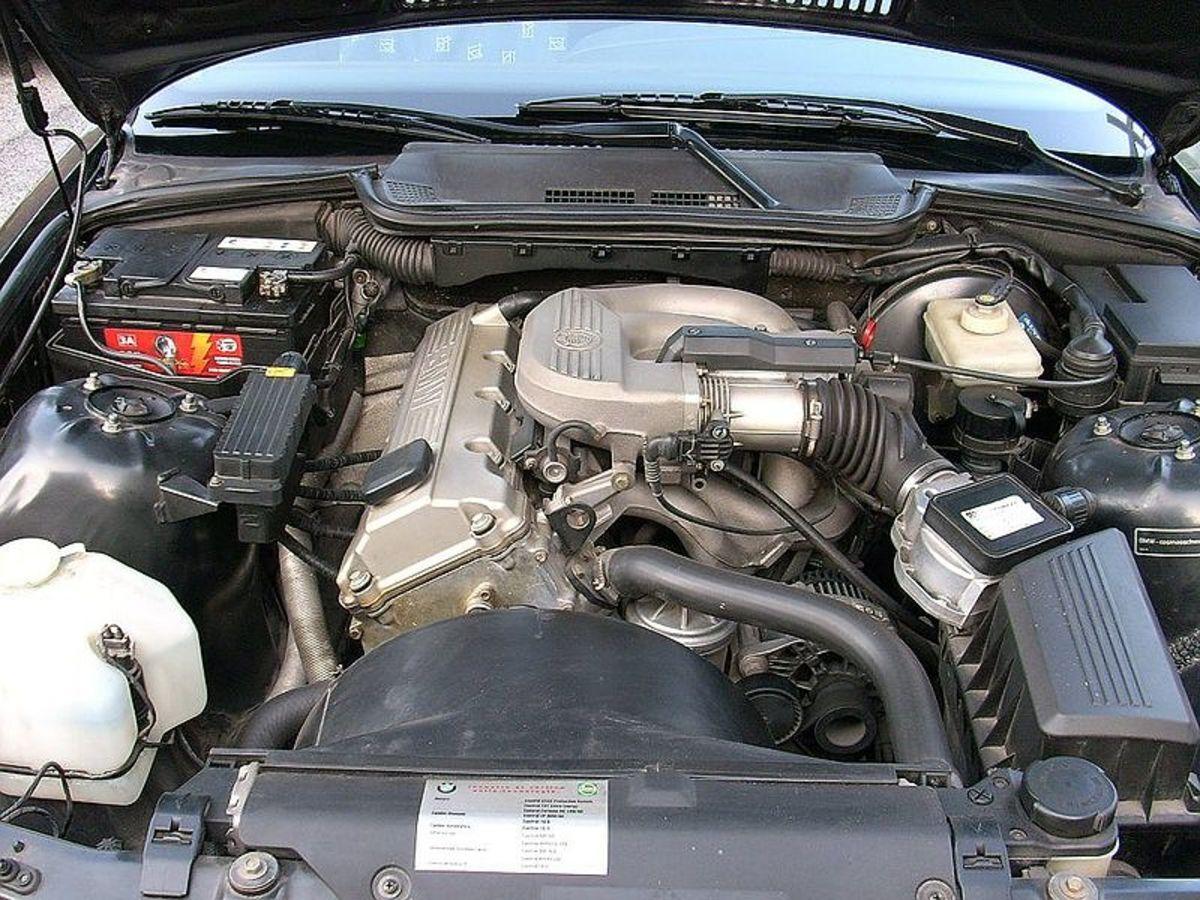 发动机怠速时更容易出现油压过低。