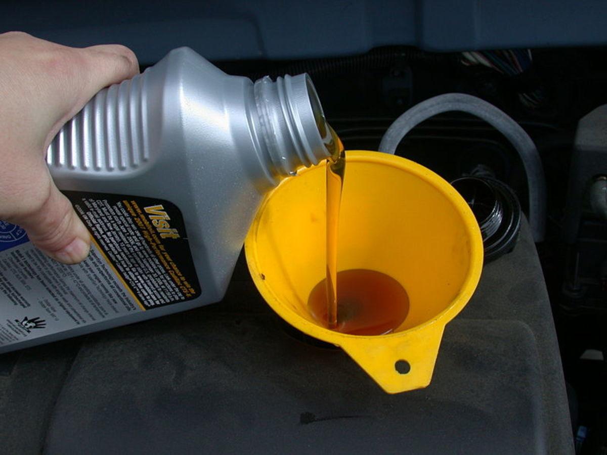 使用粘度错误的油将破坏系统压力。