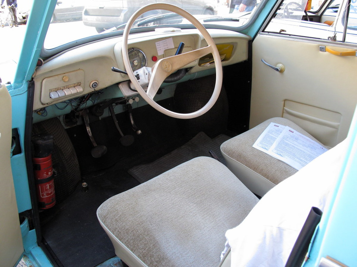 The spartan Trabi interior.
