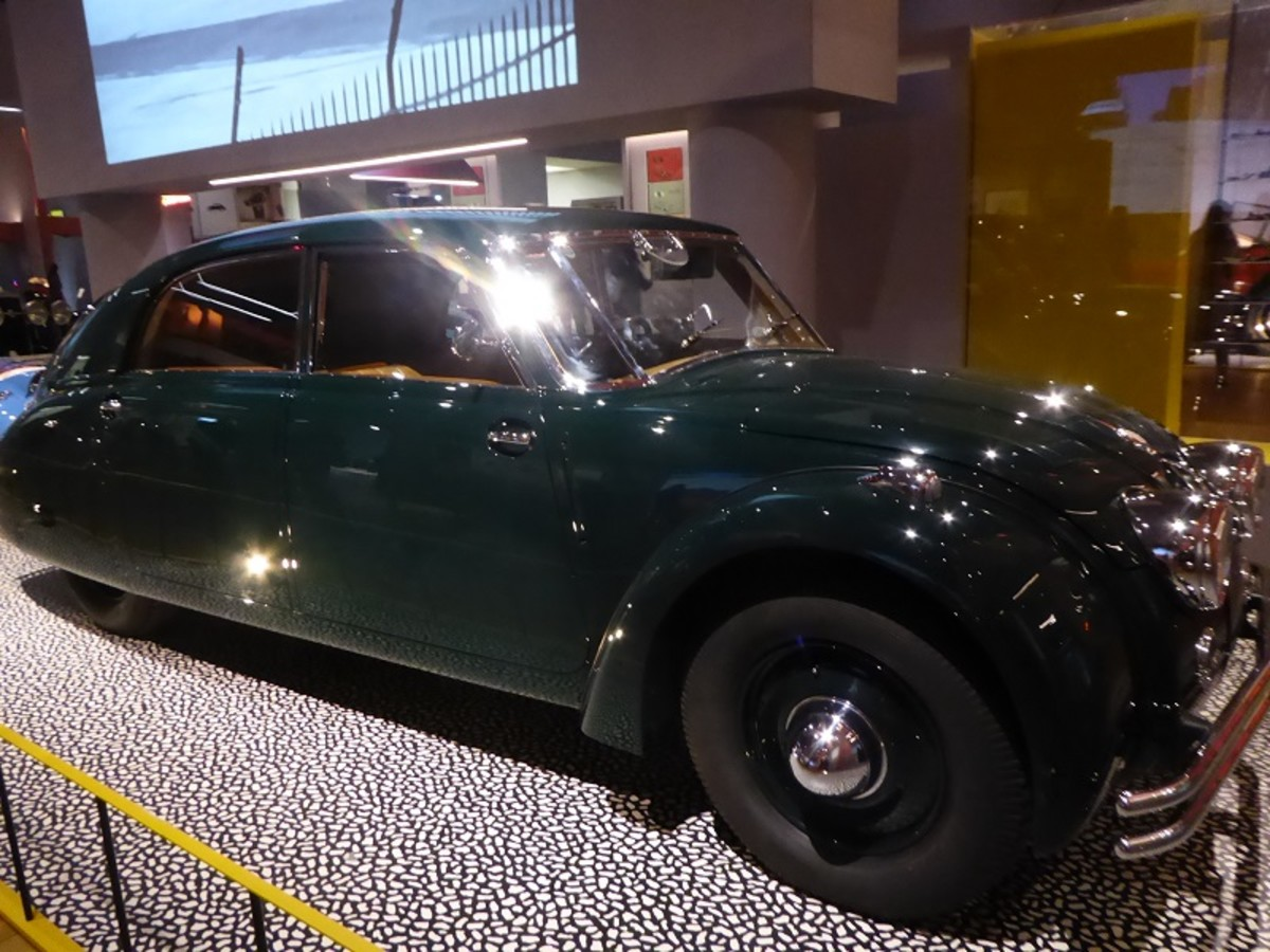 Tatra T77 1934. Image by Frances Spiegel 2019 with permission from V&A Museum. All rights reserved.