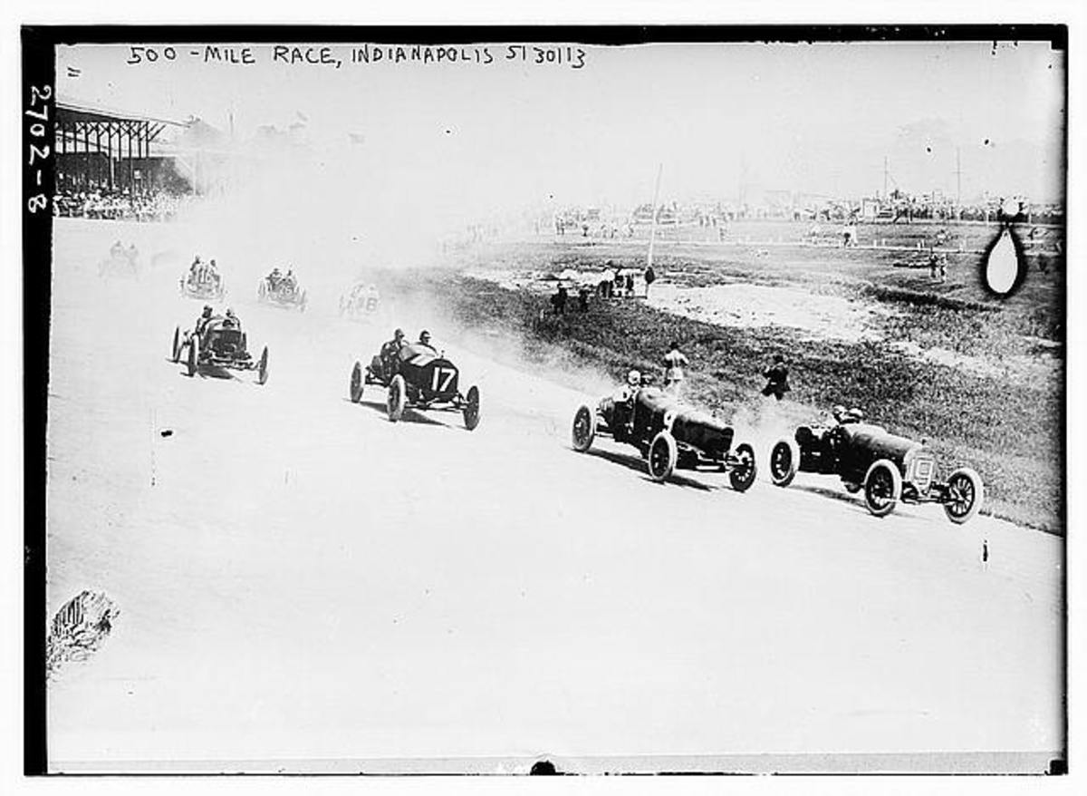 The start of the 1913 race.