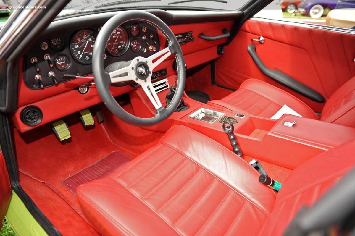Griffith (Intermeccanica) Interior