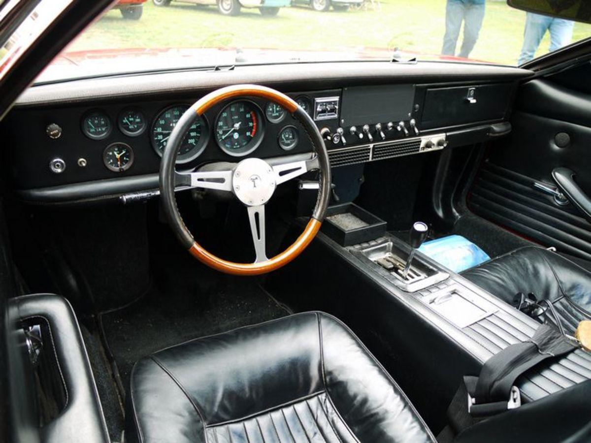 1967 Mangusta interior