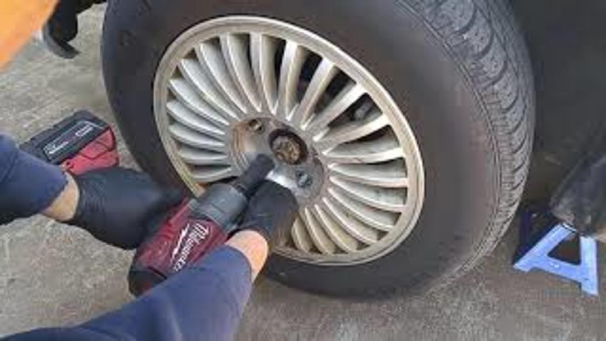 Infiniti I30 Alloy Wheel Removal