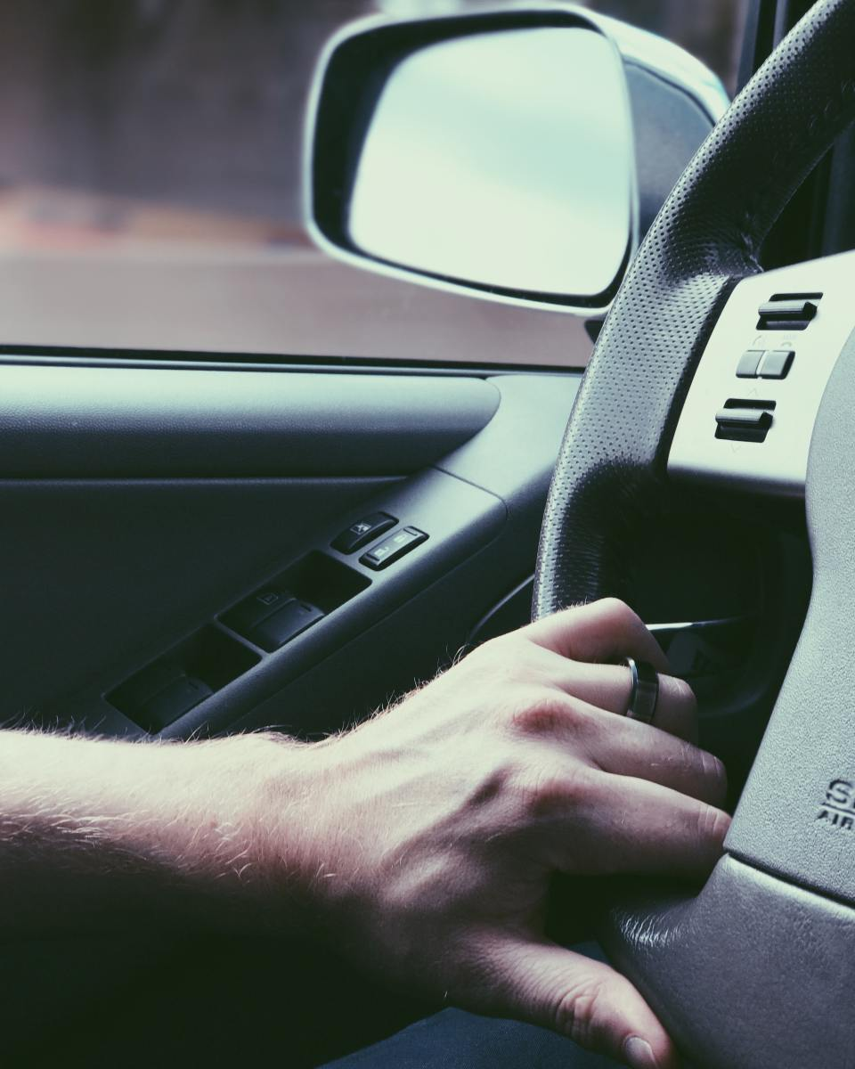 A common and simple bleeding method requires turning the steering wheel from lock to lock.
