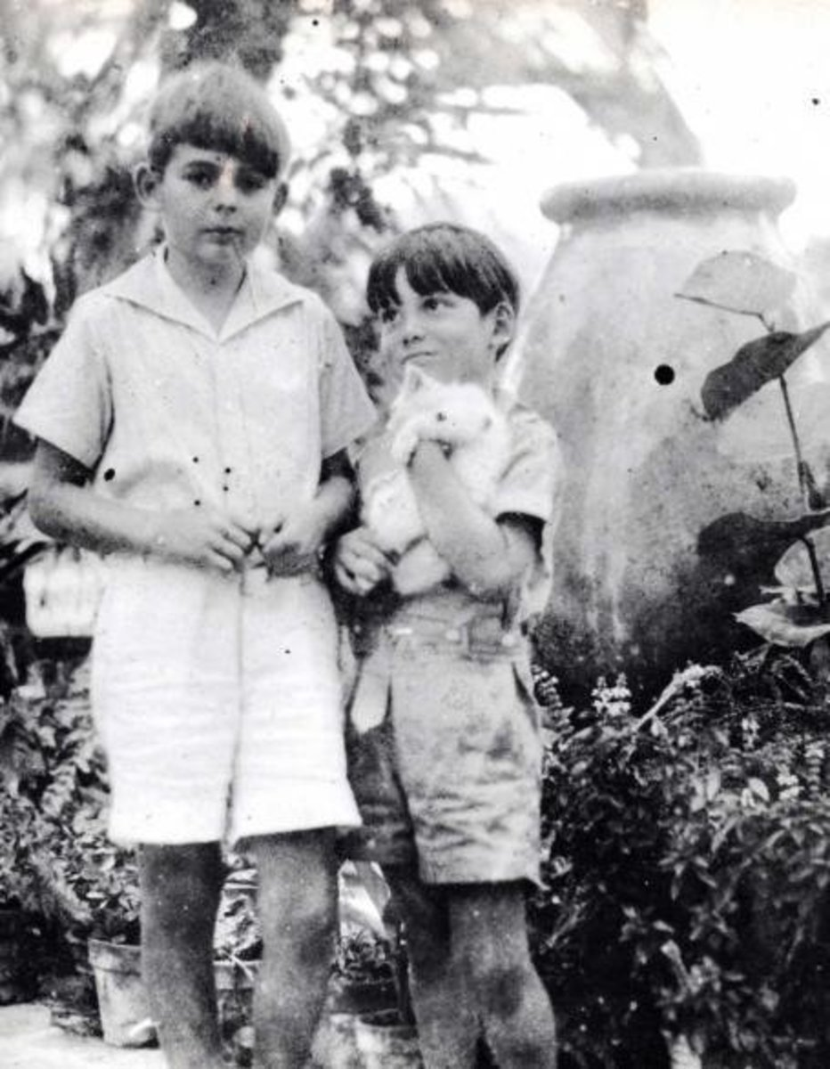 Hemingway's sons with Snow White.
