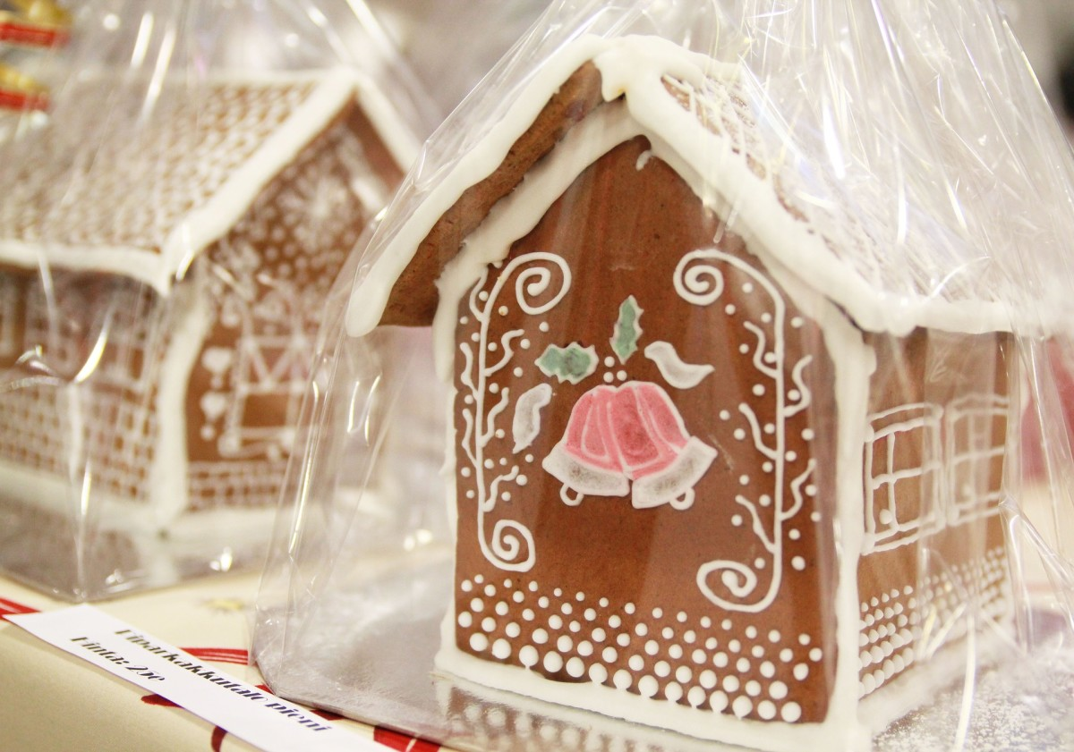 I brought home a delightfully decorated gingerbread house from a Christmas bazaar. Hurrying to get to my afternoon job, I placed the decorated house on a bookshelf.  When I came home, it was smashed to bits, but still inside the clear bag.