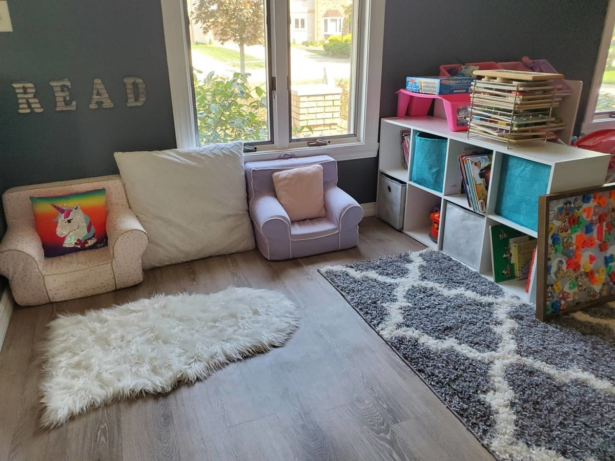 An ideal home learning space should be welcoming, well-organized, free of distractions, and comfortable. It doesn't matter how big or small it is!