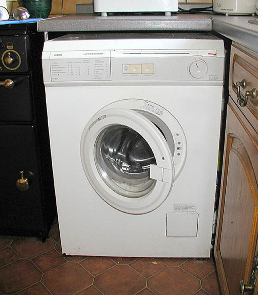 The washing machine is not so new.  Even in ancient times, women would use a natural whirlpool to help them wash clothing more efficiently.