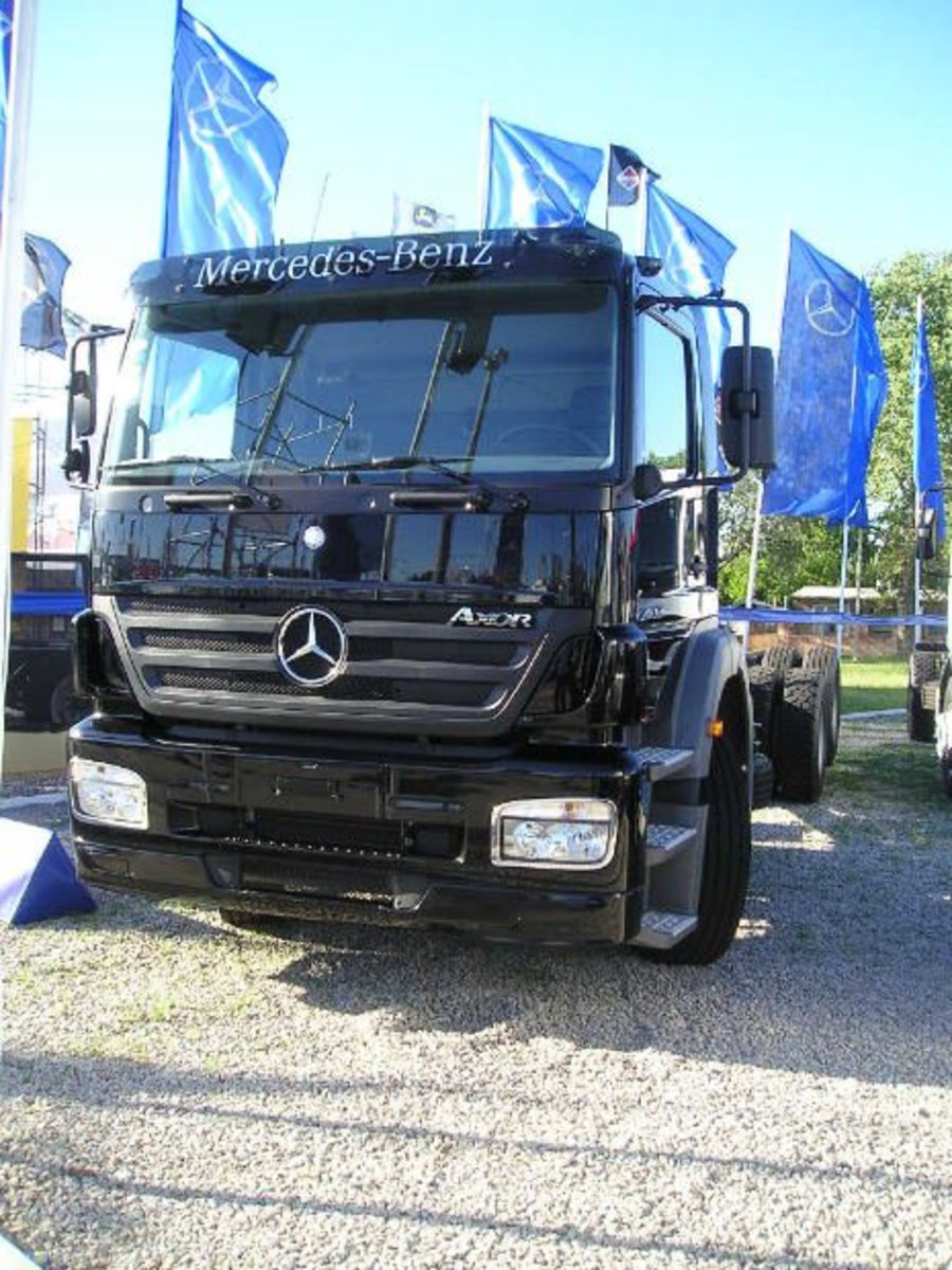 "This ""big truck"" benefits from the ""quality"" perception established by the Mercedes brand."