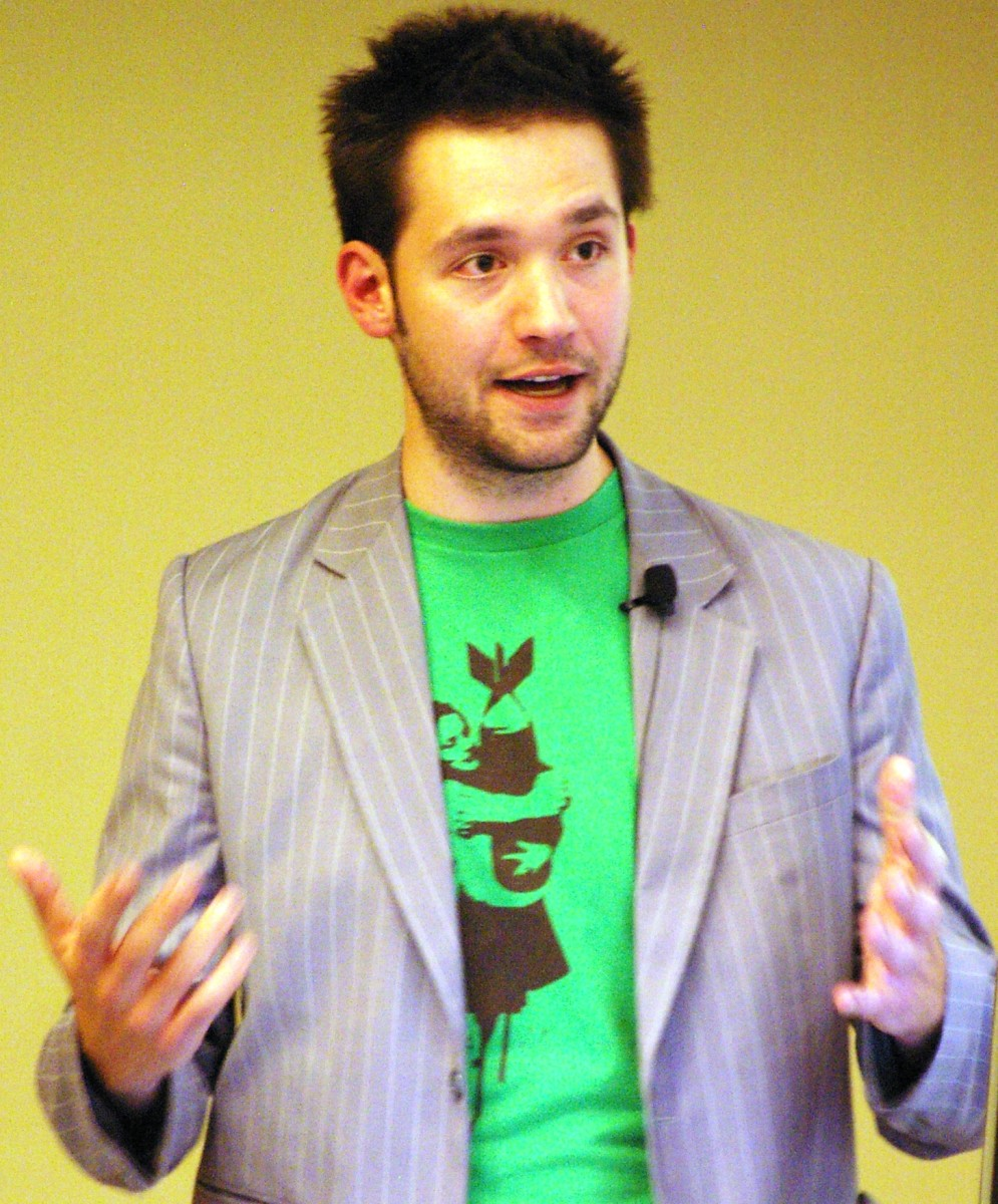Alexis Ohanian, one of Reddit's founders, dresses down.  While not a Generation Z member himself, he provides a good example of how to achieve the look.