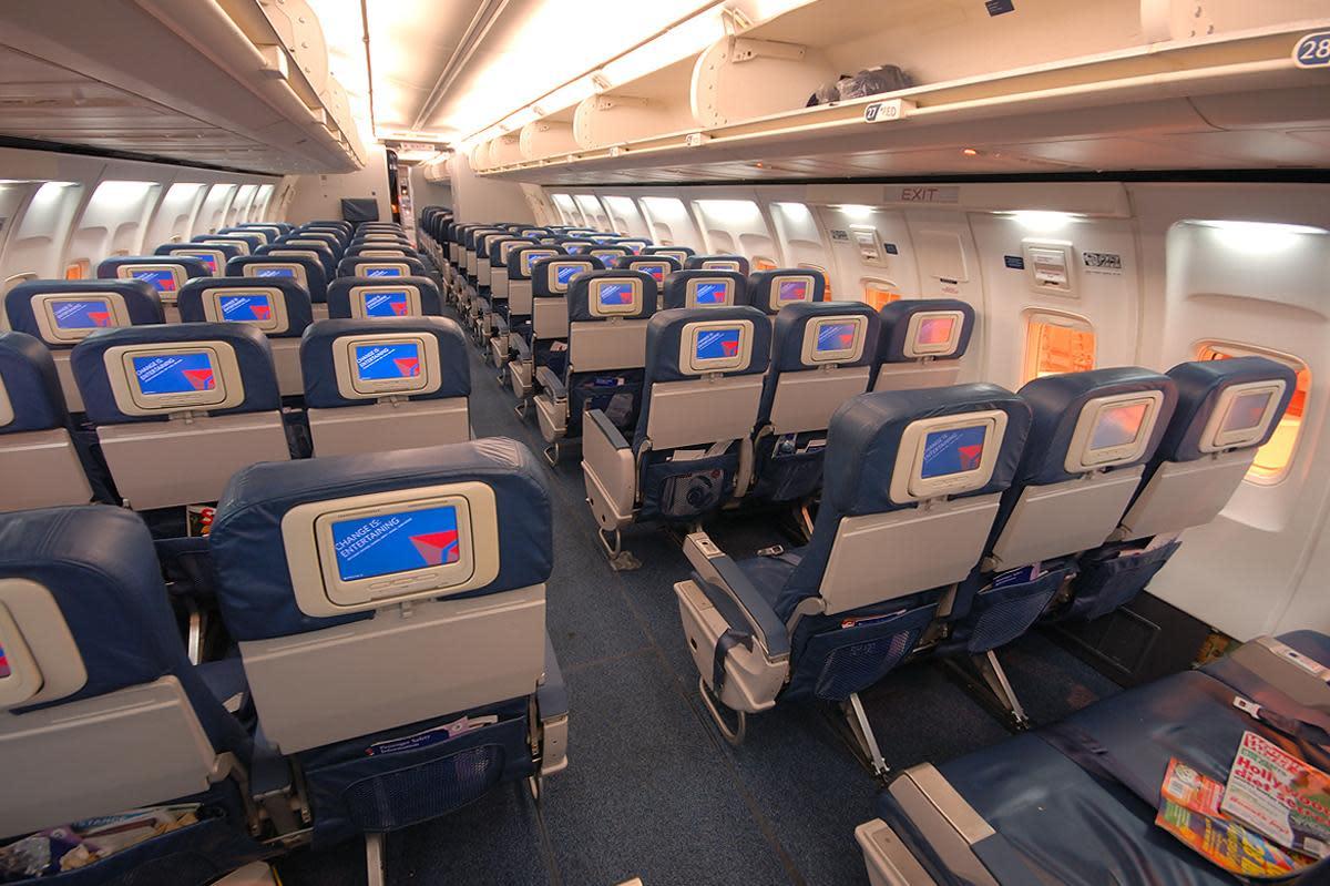 Delta 757 Cabin