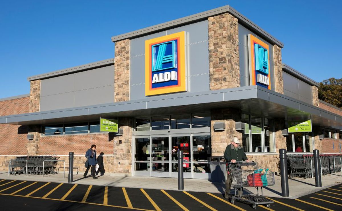 The outside of an Aldi store.