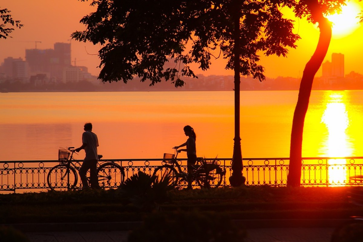Sunset by the West Lake (Hồ Tây), Hanoi