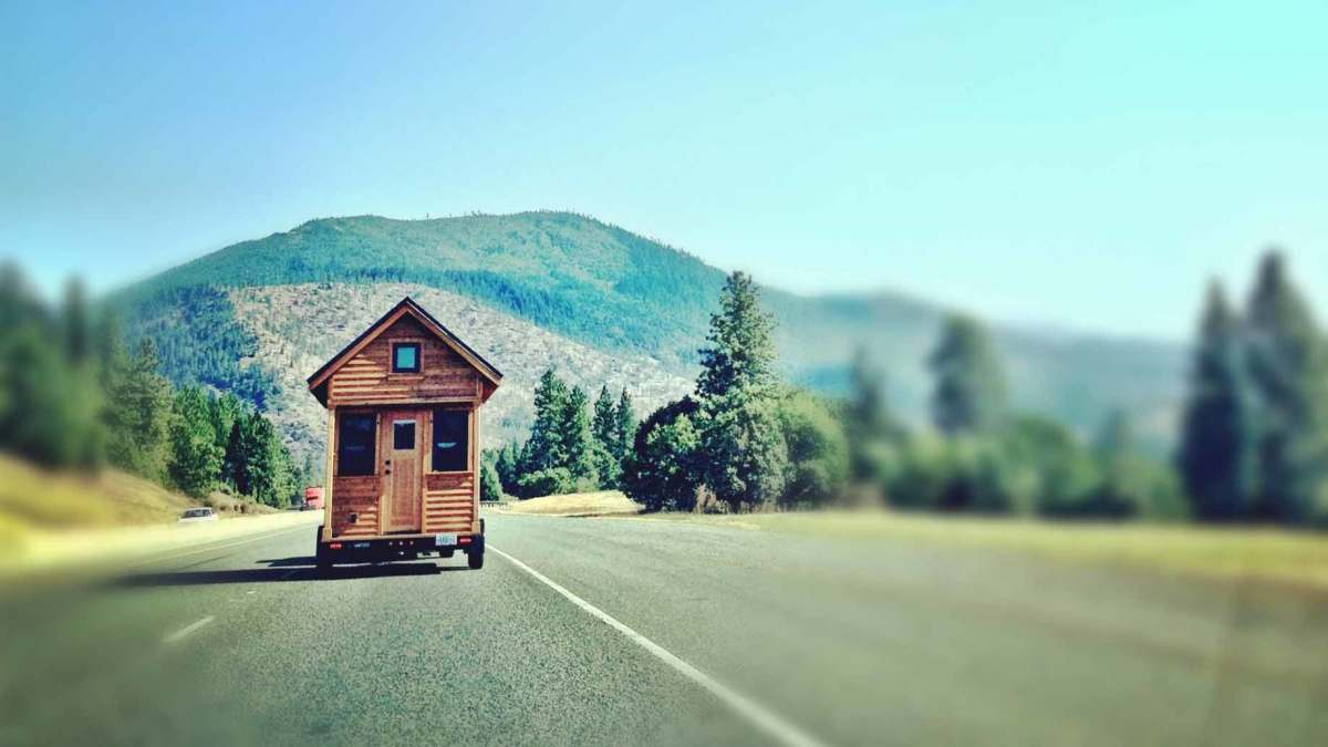 With a tiny house, you can go wherever your dreams take you, and bring a sense of home to wherever you end up. Some tiny house owners live a nomadic lifestyle, traveling from town to town as they please.