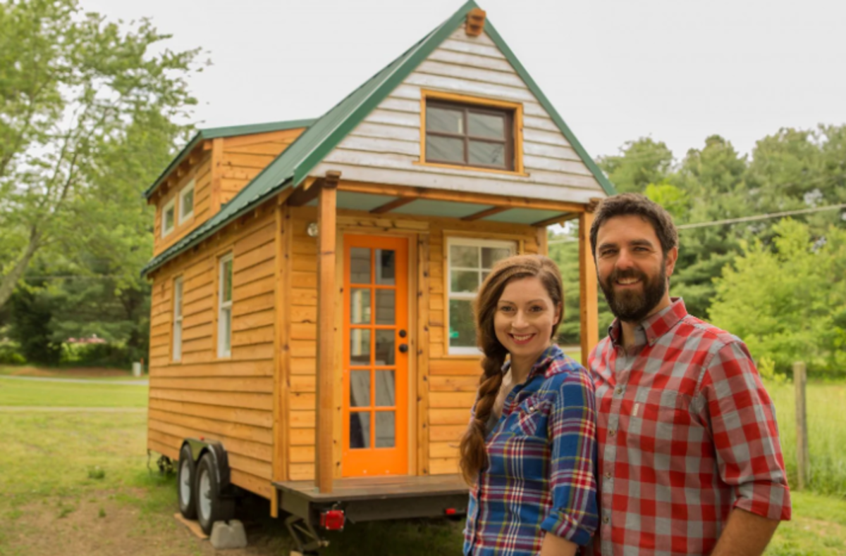 Alexis Stephens and Christian Parsons are a tight knit couple who traveled with their tiny house through 27 states filming their tiny house expedition, but even they have ended up fighting due to the close quarters. Can your family handle it?