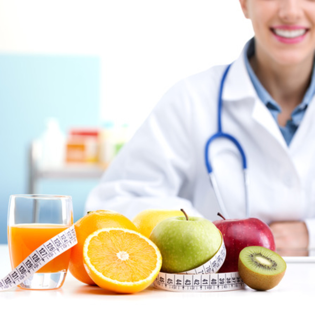 A Nutrition Nurse Advisor provides dietary guidance.