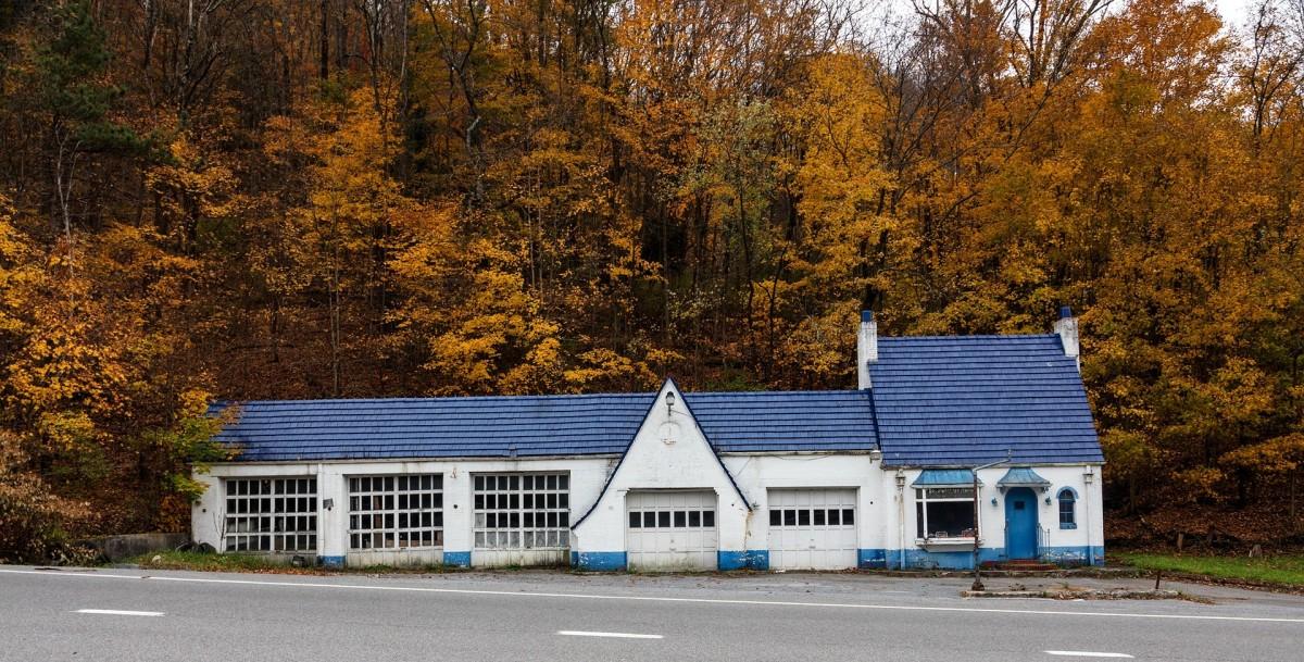 弗吉尼亚州的一个旧加油站