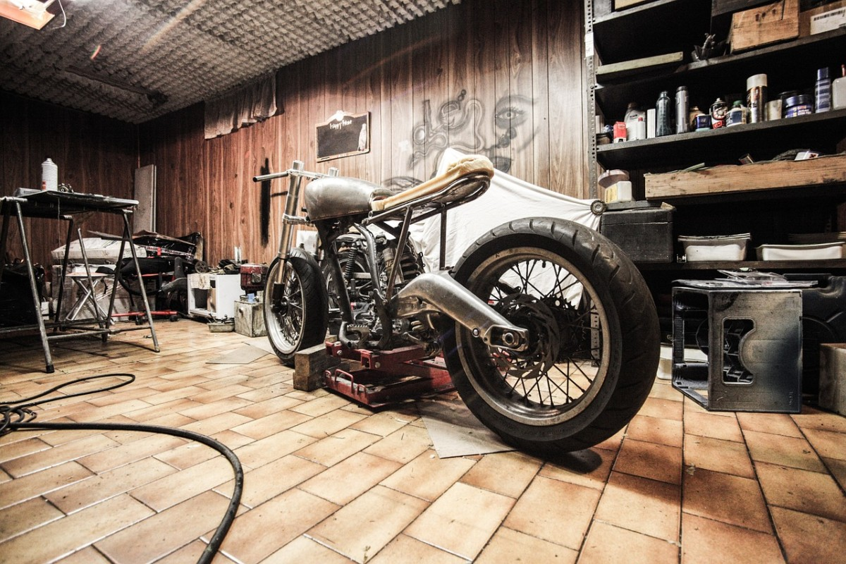 Motorcycles are another great niche topic for online article writers.