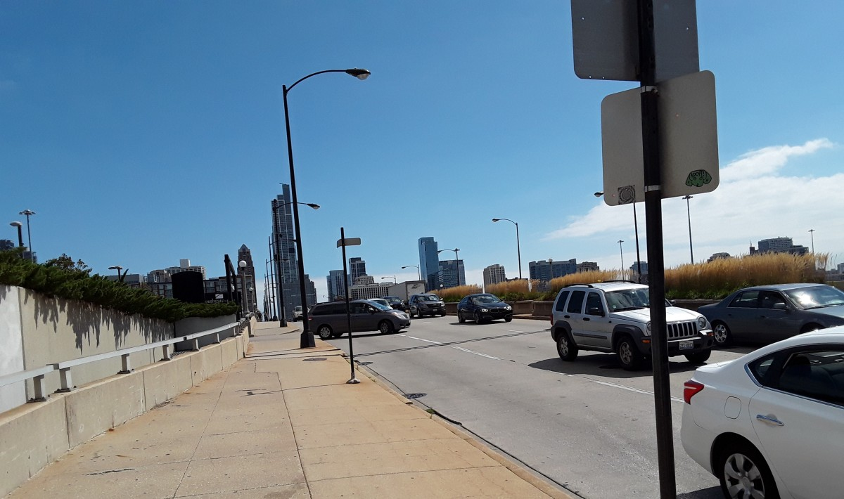the-chicago-drivers-guide-to-rideshare-street-smarts-follow-the-moneythe-lakes-edge-near-south-side