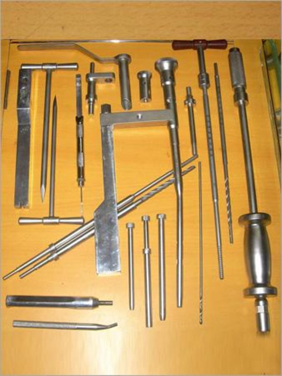 Femoral Nail Instruments (copied from:  http://medfixortho.com/Ortho/Ortho_Pictures/105831_DHS_DCS_basic_self_tapping.jpg