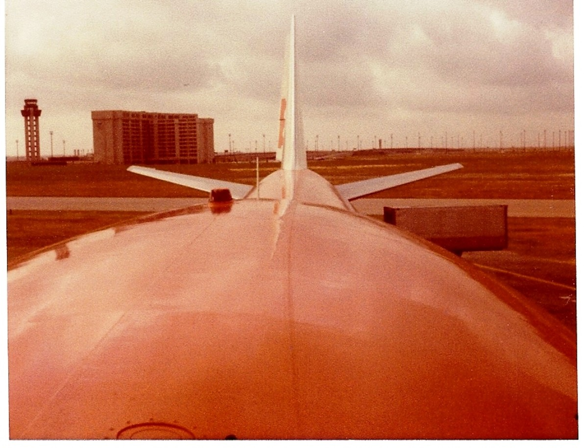 Braniff made a daily trip to Hawaii with their 747 jumbo jet.
