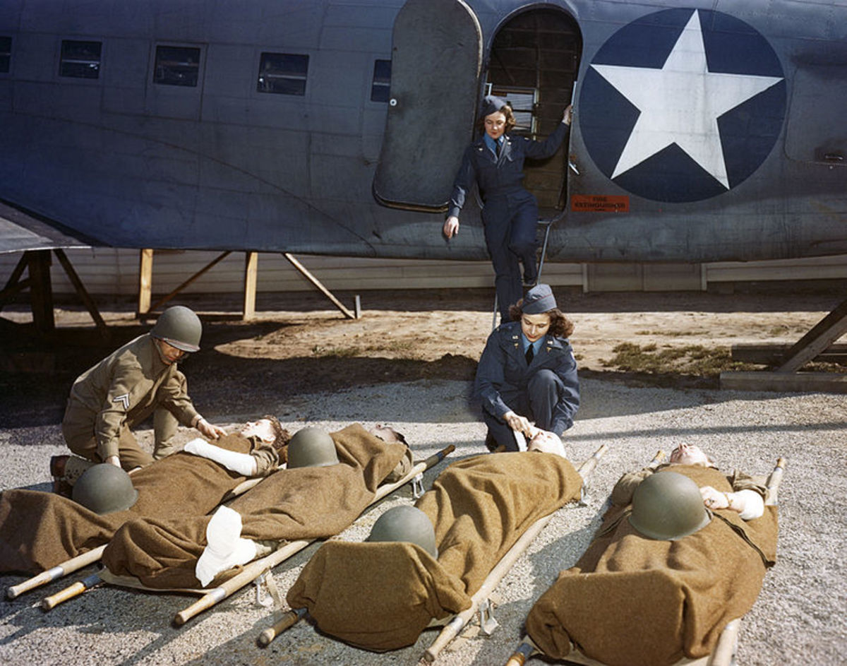 During WWII, AAF School of Air Evacuation at Bowman Field, Ky., student flight nurses learned how to handle patients.