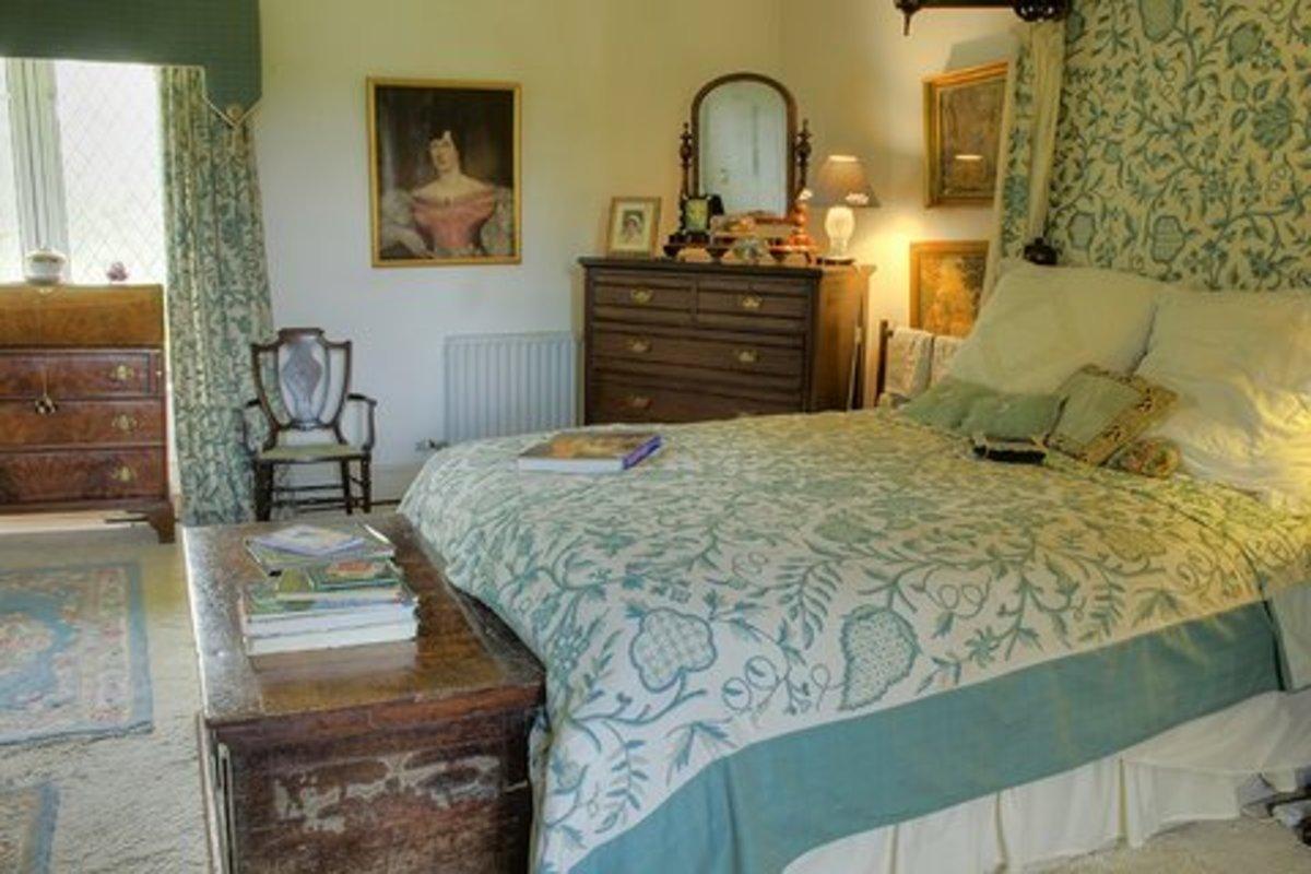 Cloghan Castle Bedroom
