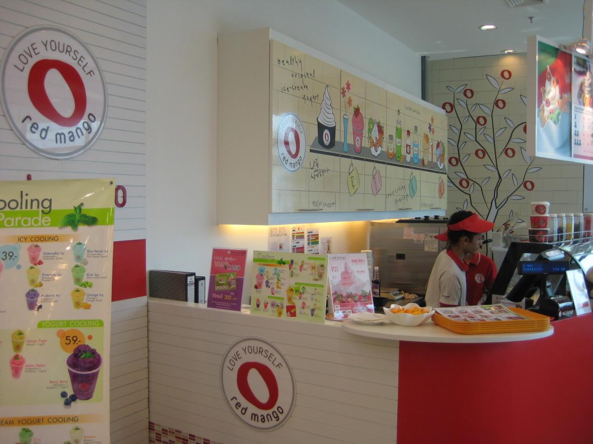 泰国人喜欢吃冷糖,这也吸引了游客。成功的关键是开一家主要以泰国当地和旅游为目标的商店。