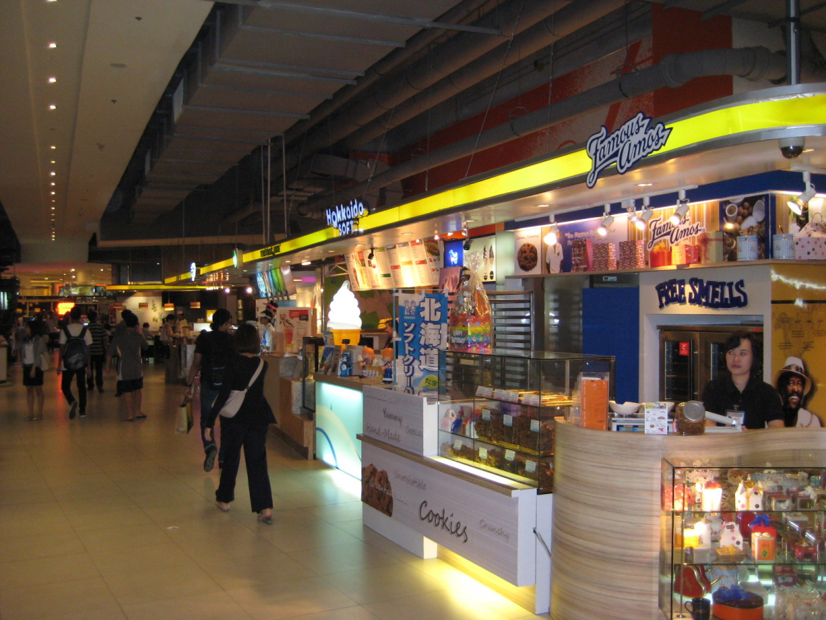 US franchise Famous Amos Cookies - This shop is in a very expensive mall called Siam Paragon.