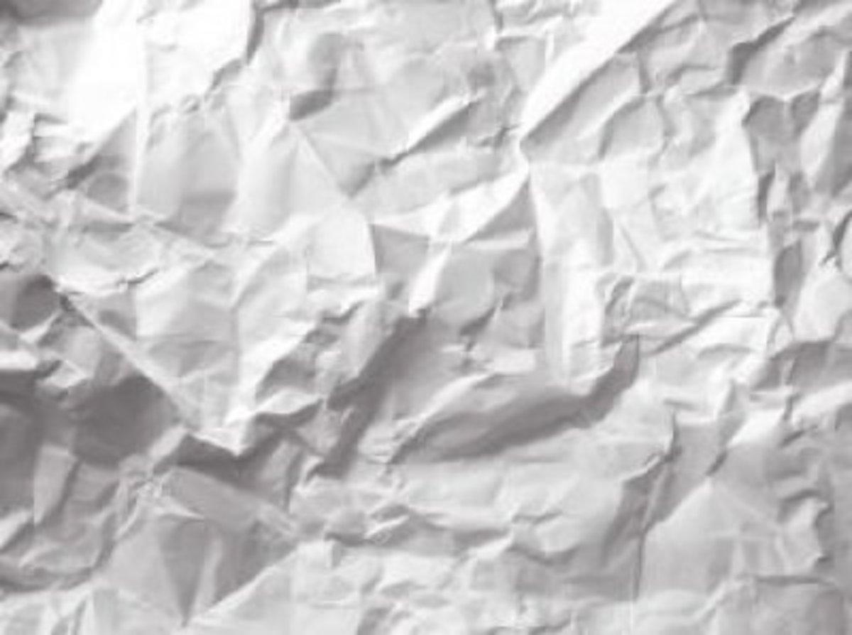 一张皱巴巴的纸出现在装满票的篮子里。