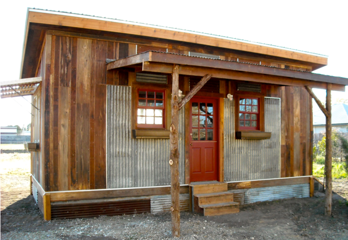 RS's cabins scream rustic living. Many of the elements used are sourced from 80-100 year old barns and other buildings.