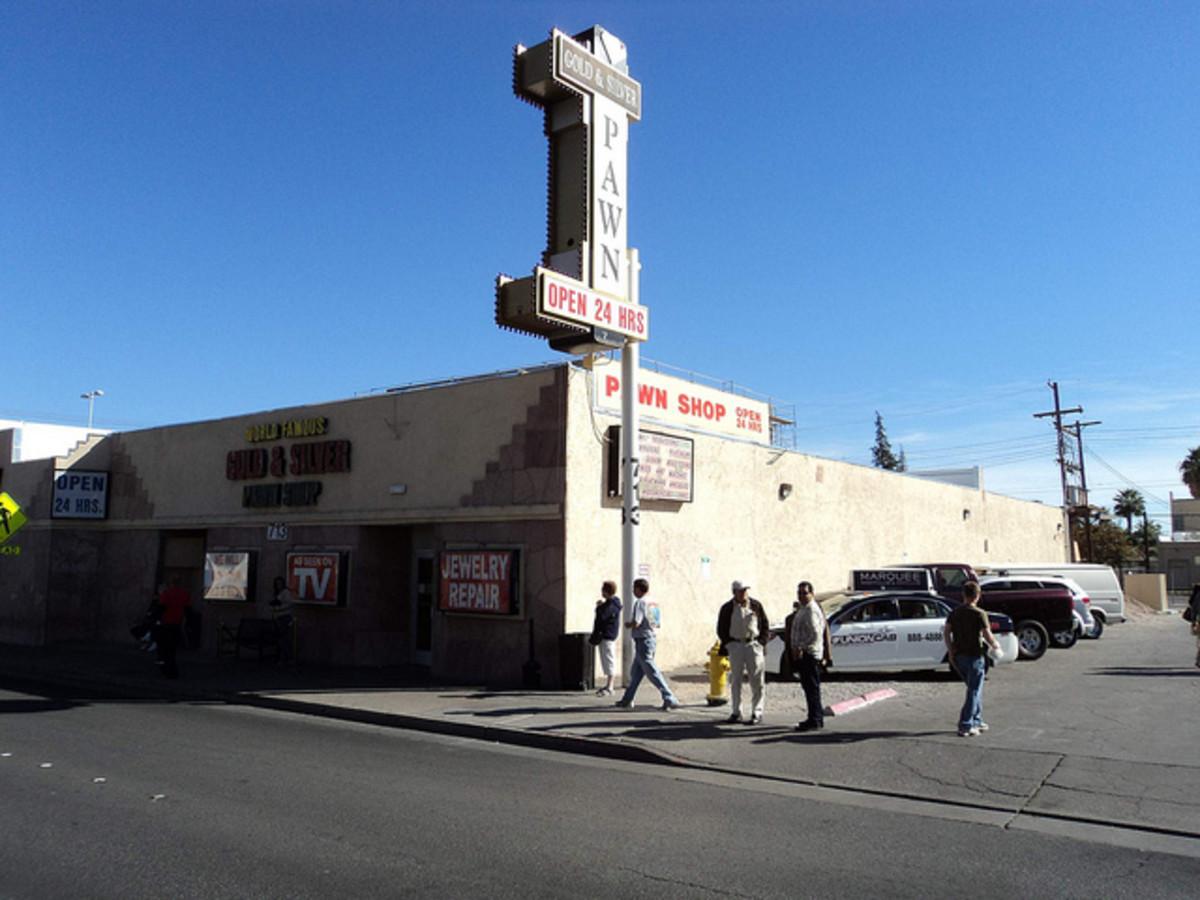 """电视剧中的""""世界著名""""金银当铺位于内华达州的拉斯维加斯。美国"""